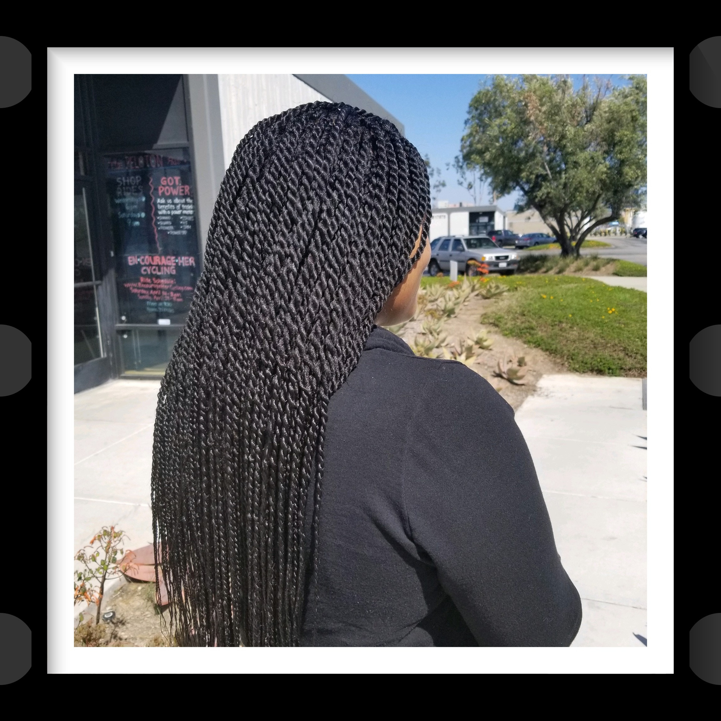 Long Senegalese Twists (6 _8 hours)