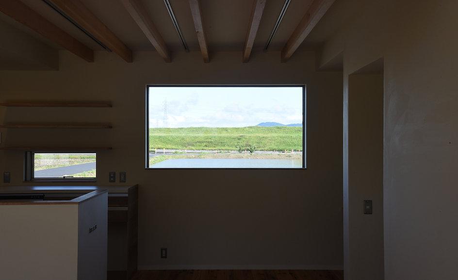 窓1.jpg