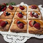Mixed Berries Almond Crispy Pizza