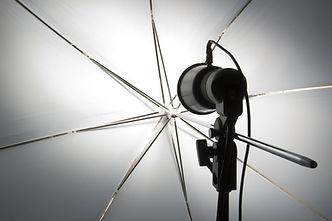 カメラのフラッシュ照明器具