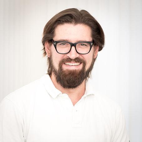 Dr. med. Adrian Mirtl