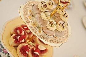 cake stand 900w.jpg