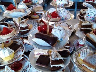 Laden cake stands