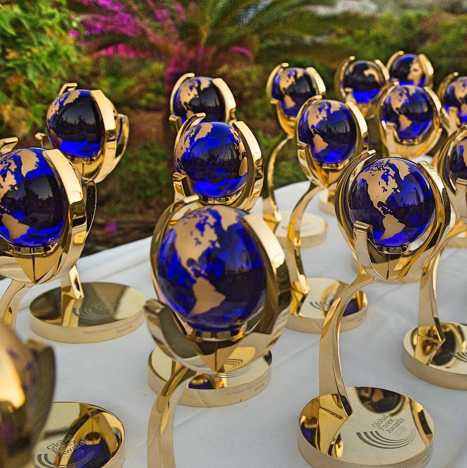 Globalforexawards-trophy4-#globalforexaw