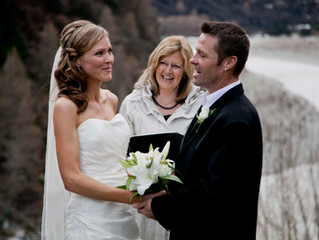 ¿Por qué contratar un Oficiante profesional para tu boda?