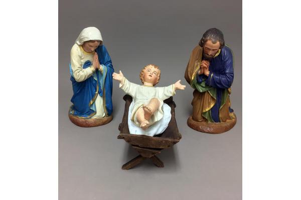 267843-nativity-andri-photo-1-.jpg