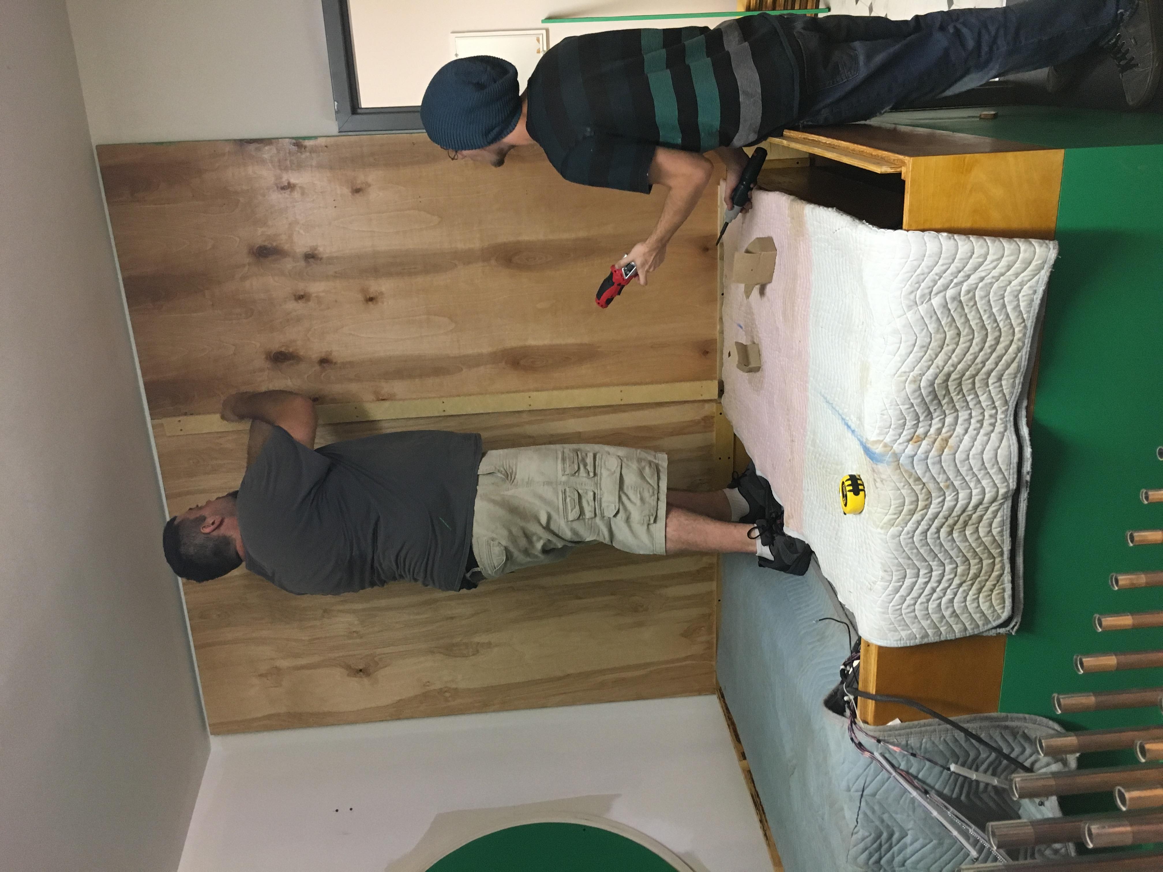 Marvin & Lee assemble Choir box