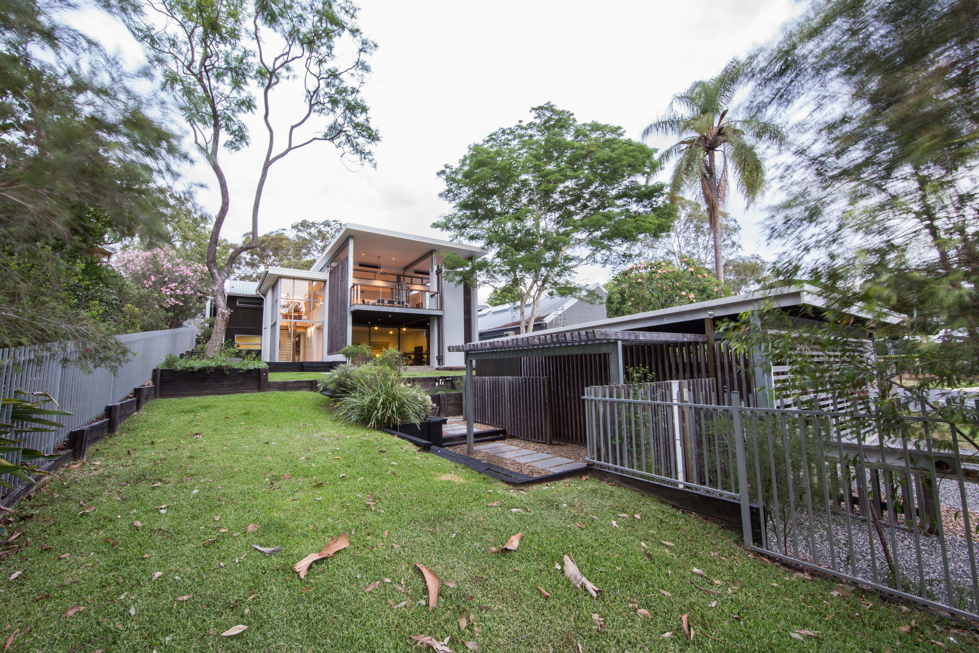 INDOOROOPILLY RESIDENCE 10