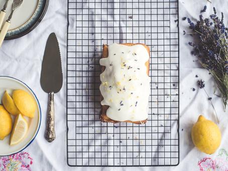 Gâteau moelleux à la lavande