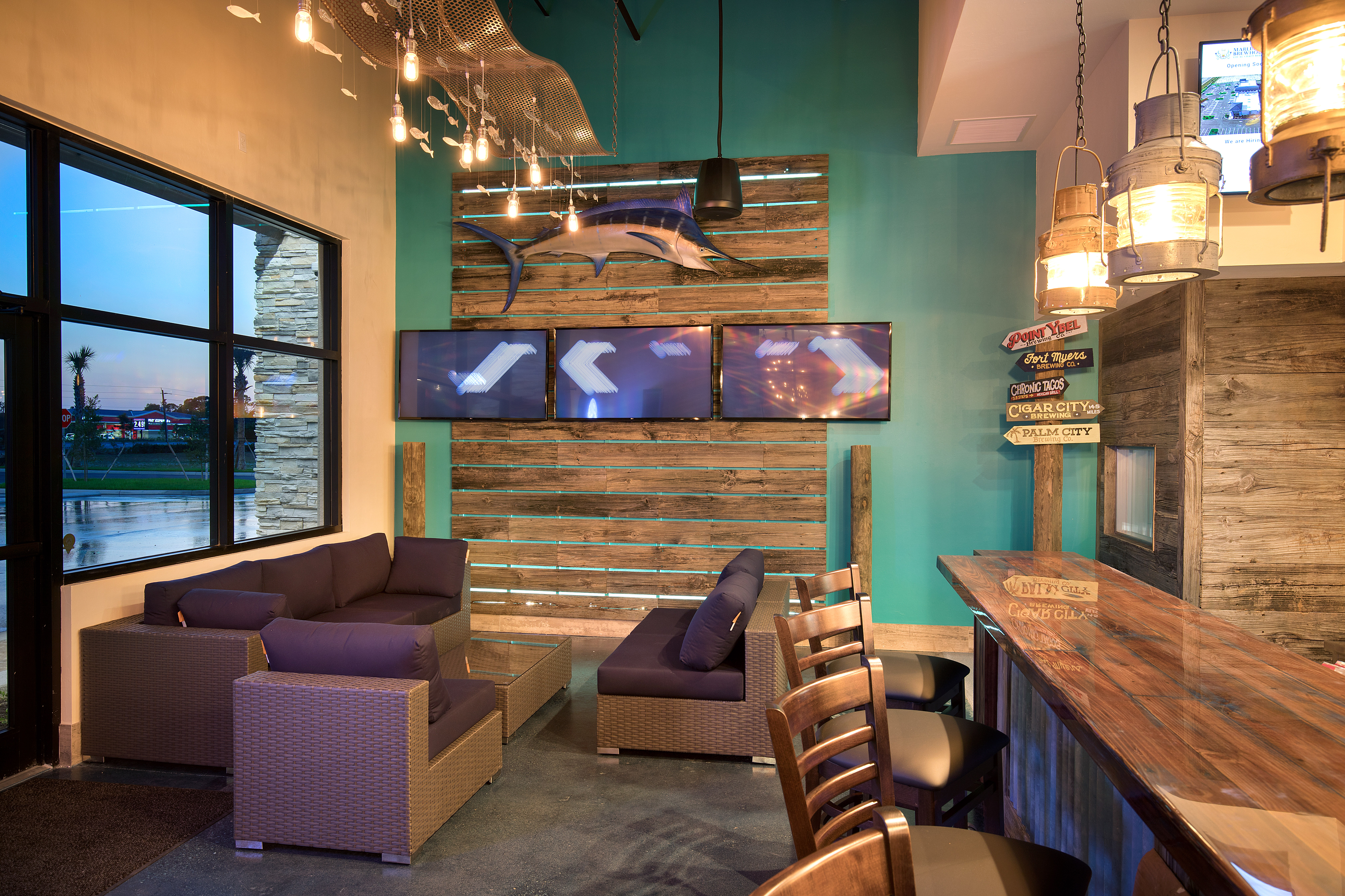 SeatingArea_MarlinsBrewhouse