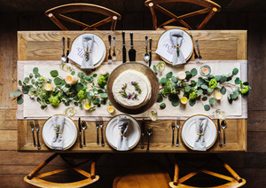 Setting the table of thanksgiving