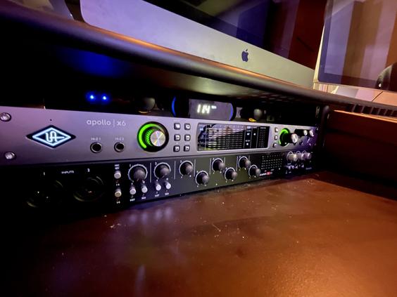 Summit Studios - uad apollo 6