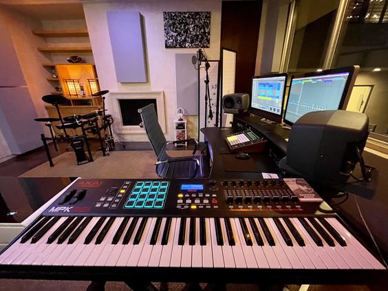 Summit Studios - keyboard setup
