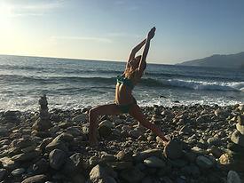 Sandrine Yogi plage yoga