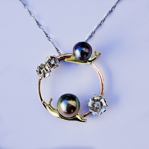"""Snail Rail"" 9mm Tahitian pearl pendant"