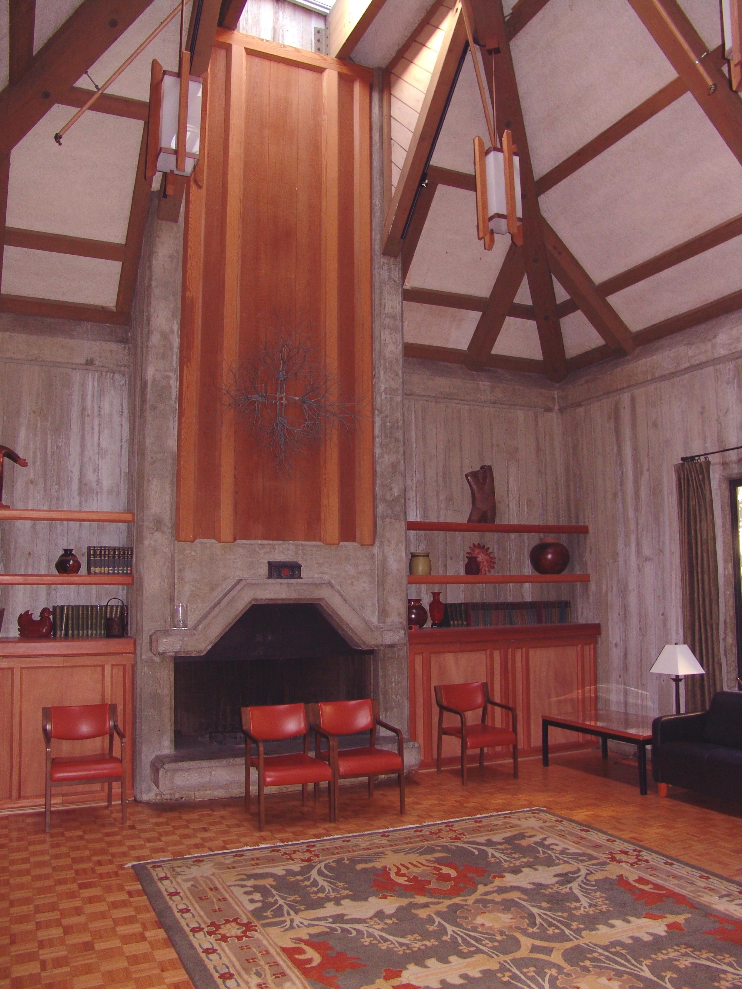 Firesideroom.jpg