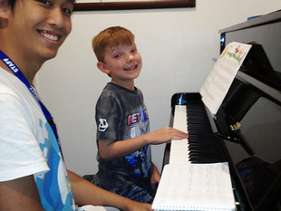 Piano lessons for the young beginner at Caroline Springs School of Music.