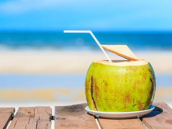 AS 12 MARAVILHAS DA ÁGUA DE COCO: para a beleza e a saúde. Não deixe de ler