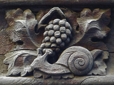 The Snail and the Grape, Symbols of Burgundy