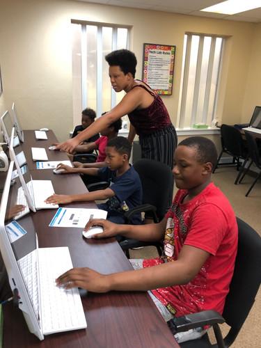 Brianna teaches Video Gaming Class.jpg