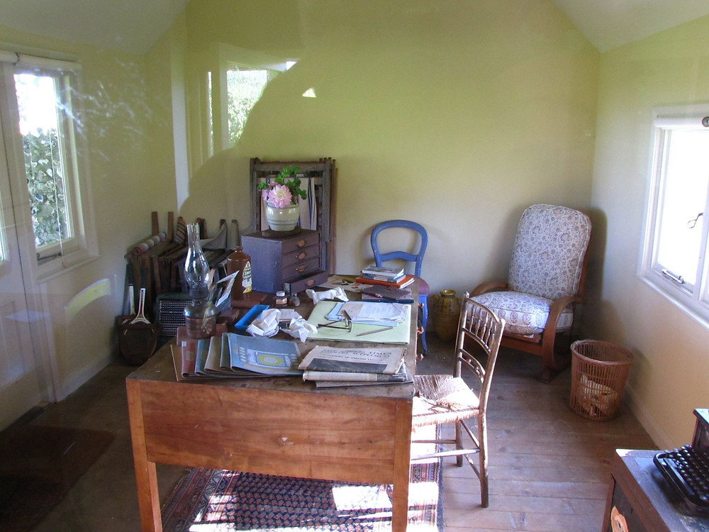 VW writing room