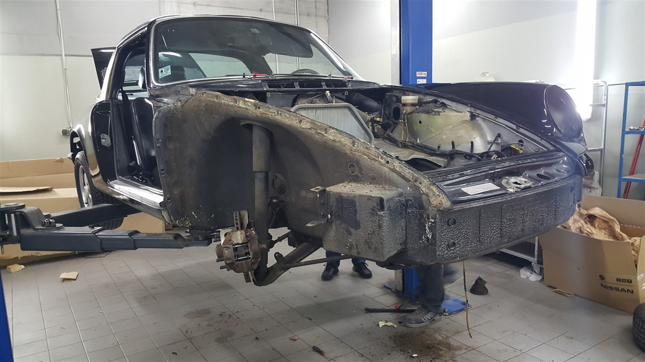fp-car-sl-porsche 911 2.4 t-03