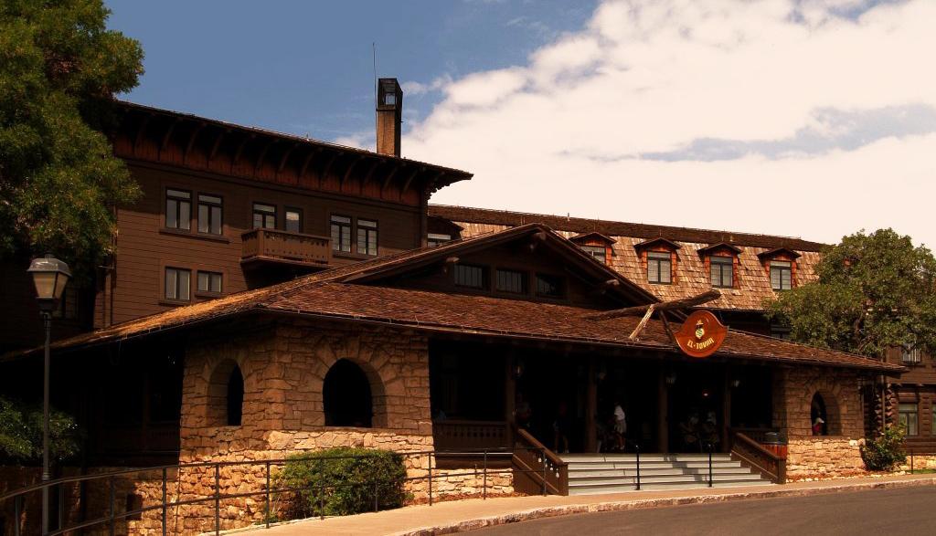 El Tovar Lodge