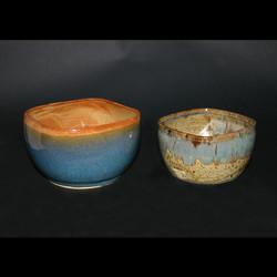 2 blue bowls speckled