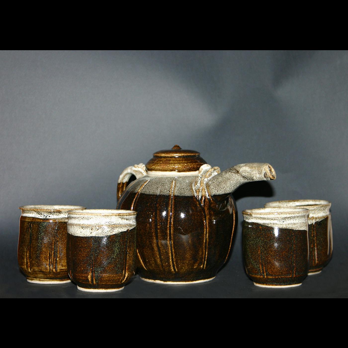 brown speckled tea pot