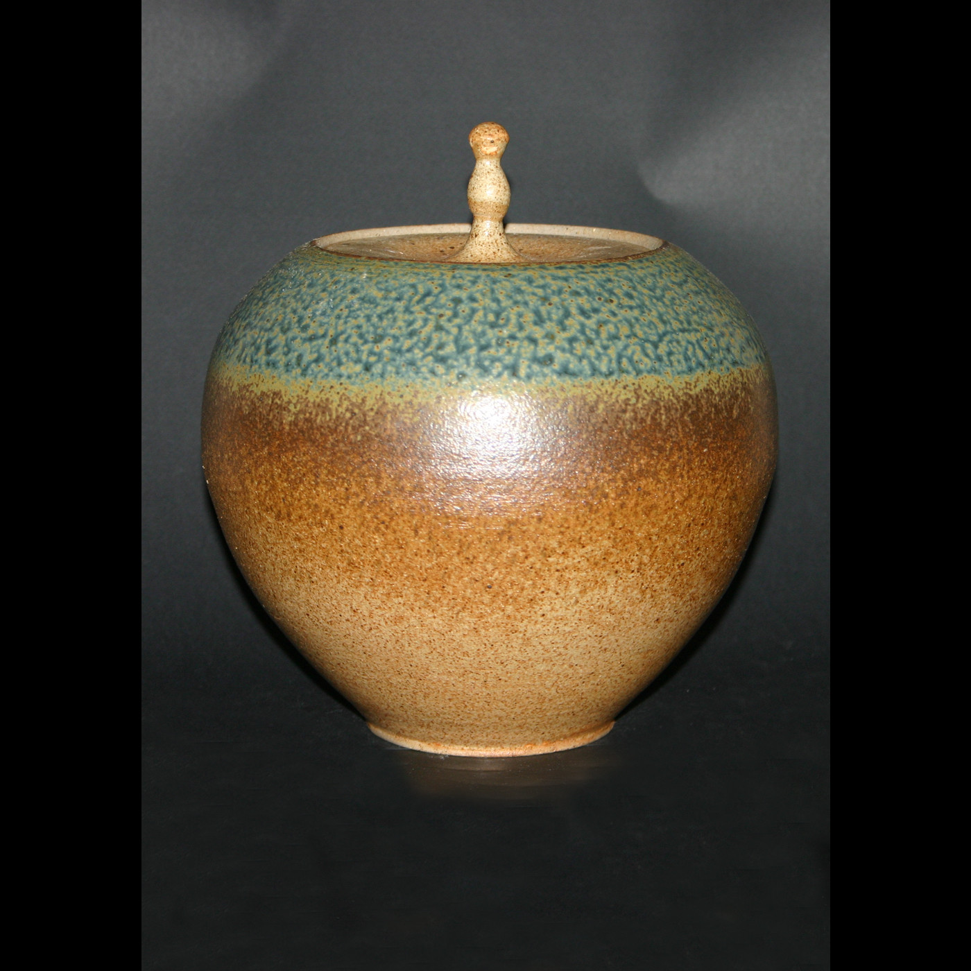 lidded vase ash&spogemene