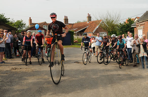 Peter Berry on his Penny Farthing at the start of the Four Counties Challeng