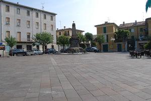 piazza_manzoni.jpg