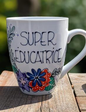 Super Éducatrice