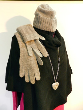 Poncino Marisa e guanti lunghi