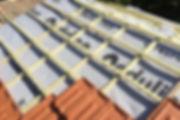 ecran-etanche-sous-toiture-600x400.jpg
