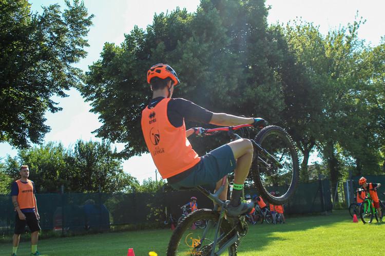 Orange_MTB20-10.jpg