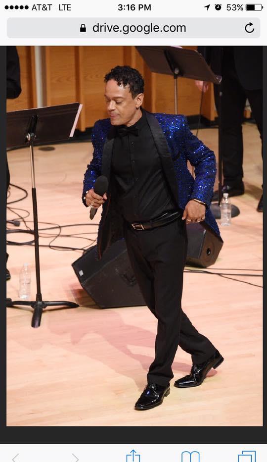 Javier Luis in concert
