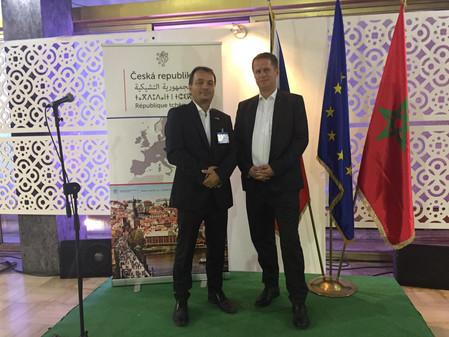 Zástupci firem Magna Energy Storage  a HE3DA společně s premiérem Andrejem Babišem v Maroku