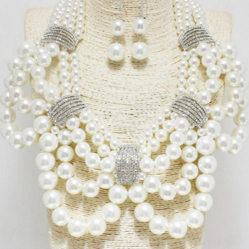 Silver/ White (Chunky Pearl Necklace)