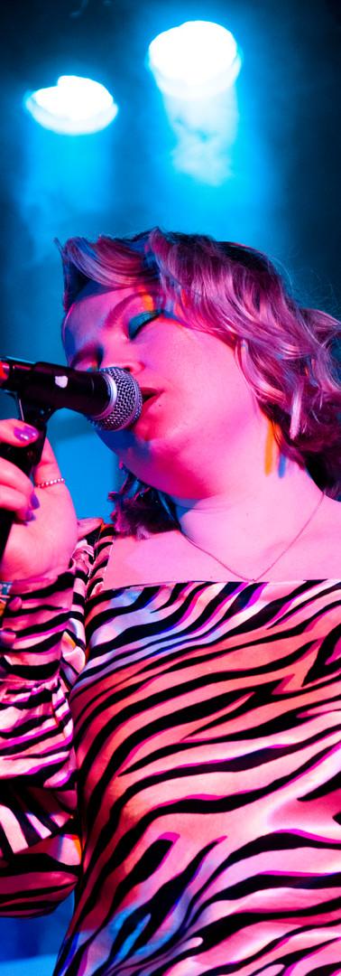 Elli Ingram - Live at Leeds Festival
