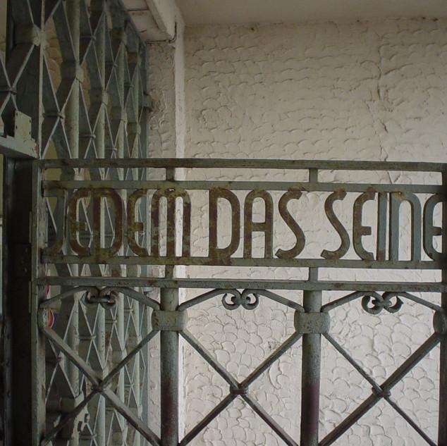 gate_kz_buchenwald.jpg