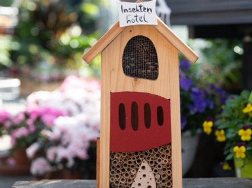 Insektenhotel bunt, Die Vogelvilla