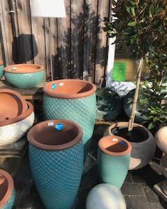Keramik und Töpfe