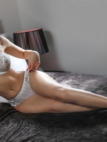 03-Linda-escorte-lausanne-agence-escort-