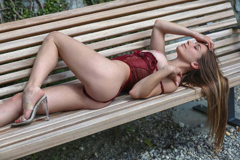 mia-escorte-agence-geneva-lausanne-suiss