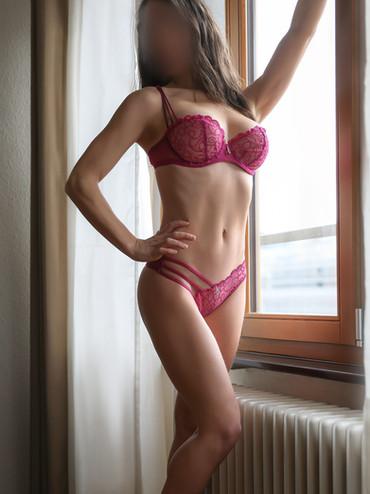 06-roxanne-escorte-agence-luxe-escort-ge