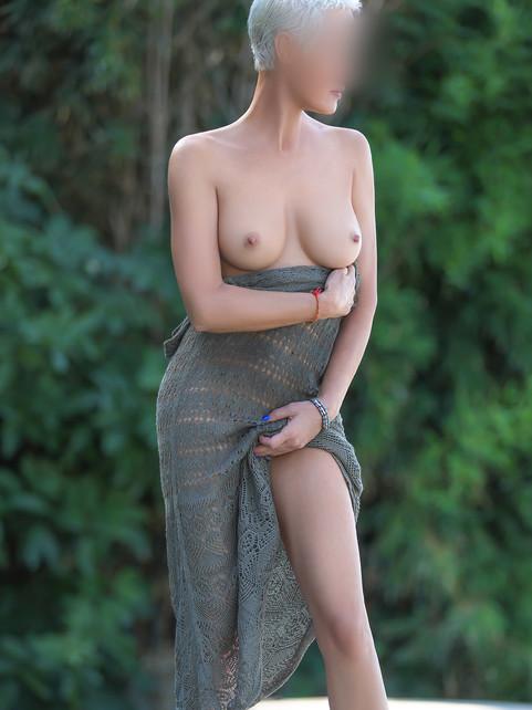 lea-escorte-girl-geneve-milf-agence-laus