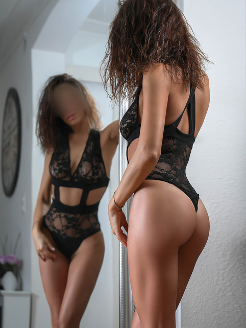 Mara-escorte-girl-geneve-agence-lausanne