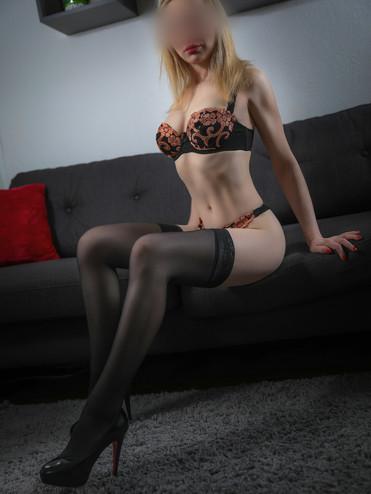 03-escorte-violette-agence-escorte-girl-