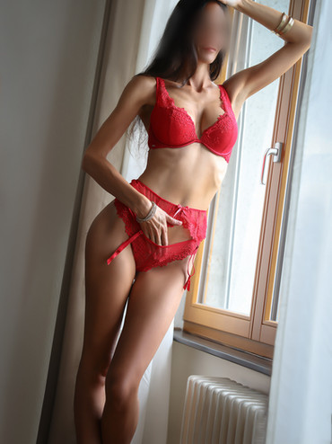 05-Ginette-escorte-paris-agence-escort-g